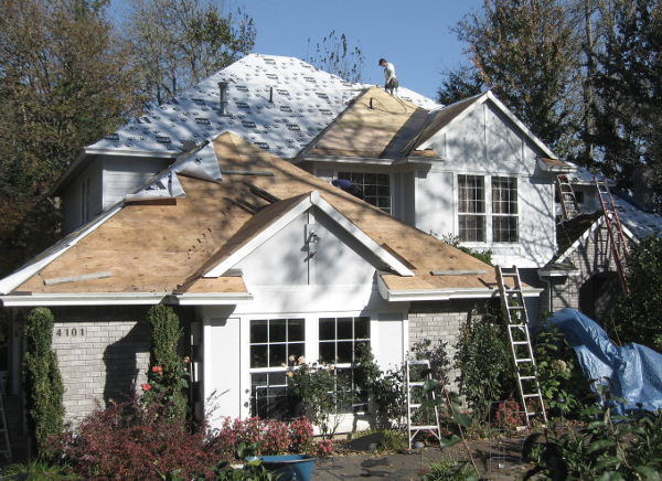 Roofing contractors in Portland, Oregon - SFW Construction. LLC