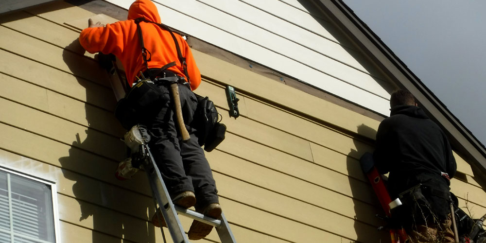 Siding Repair Vs Siding Replacement Sfw Construction Llc