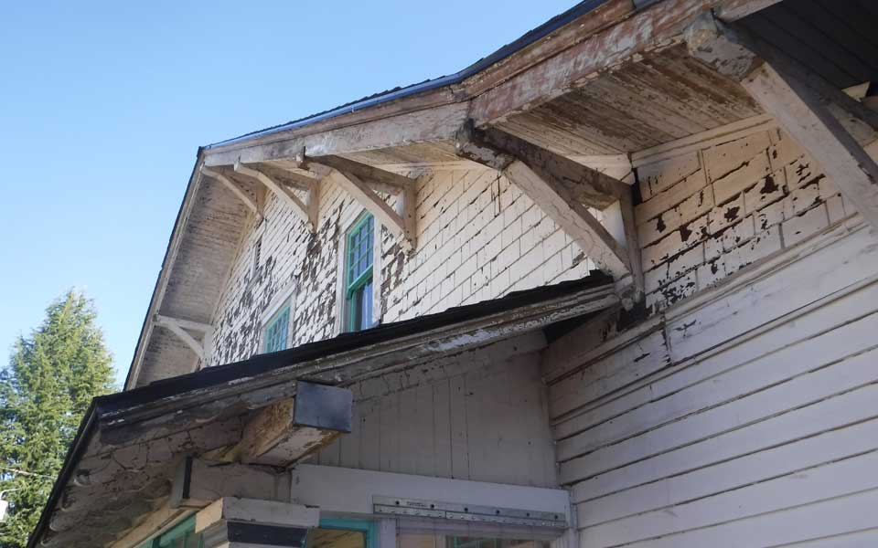 Portland Historical Home Restoration Lead Paint Scrape